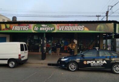 Villa Gobernador Gálvez Millonario golpe comando a una verdulería: en dos minutos sustrajeron dinero y armas